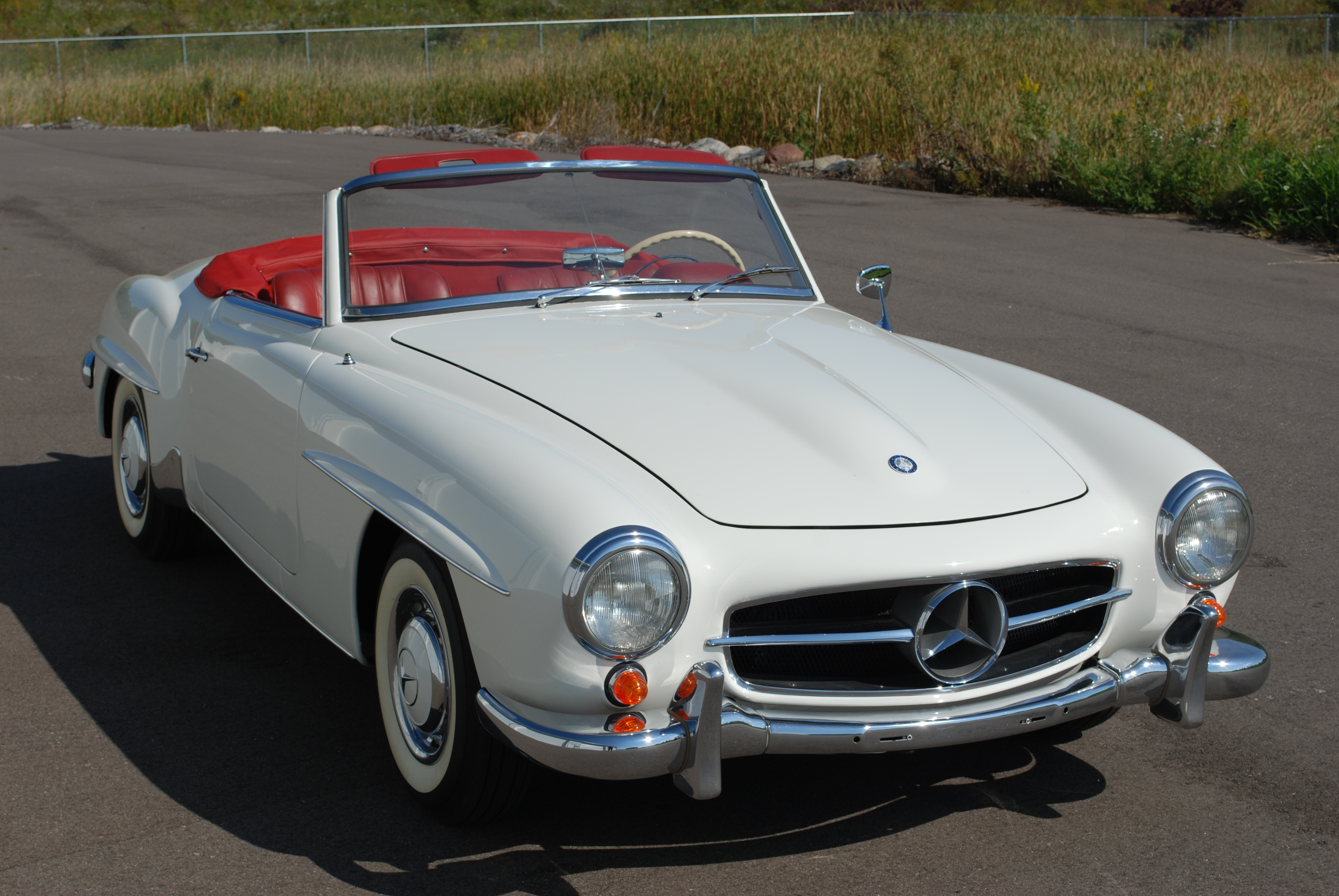 1962 Mercedes-benz 190sl Convertible White    Red